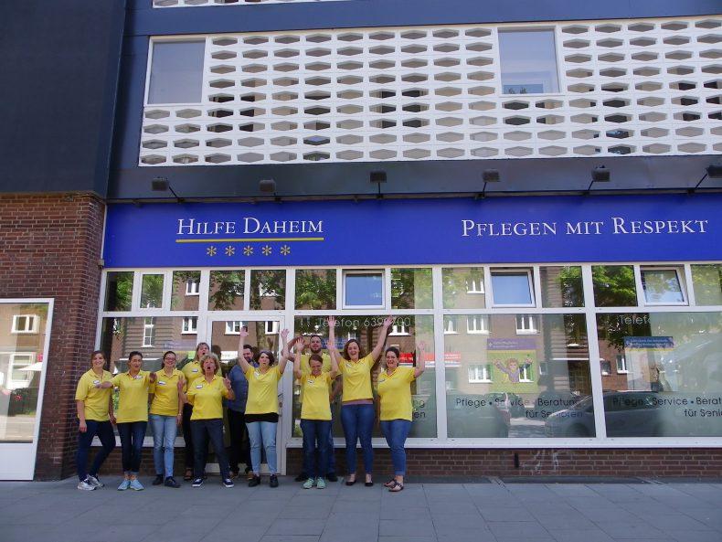 Das Team von Hilfe Daheim freut sich über das Ende der Bauarbeiten. Foto: Anna Gatz