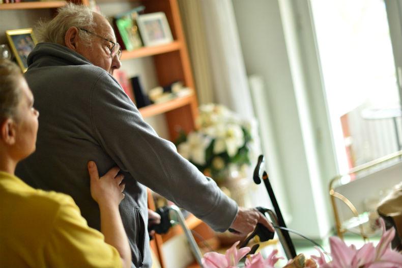 Die Mitarbeiter von Hilfe Daheim unterstützen die Kunden in ihrer Häuslichkeit.