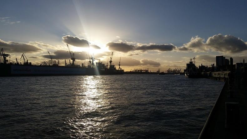Ein Anblick zum verlieben: der Hamburger Hafen. Foto: J. Malyszczyk