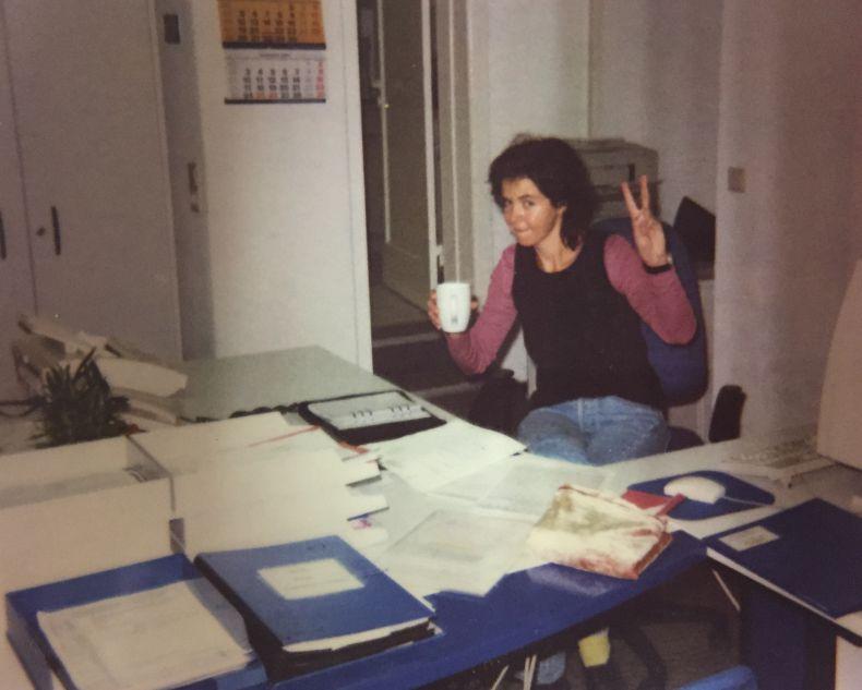 Die Anfänge von Hilfe Daheim: Nicole Gatz 1997 im Büro in der Lauensteinstraße.