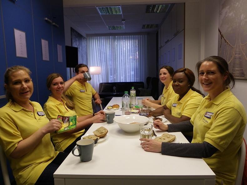 Gemeinsames Frühstück bei Hilfe Daheim. Foto: A. Gatz