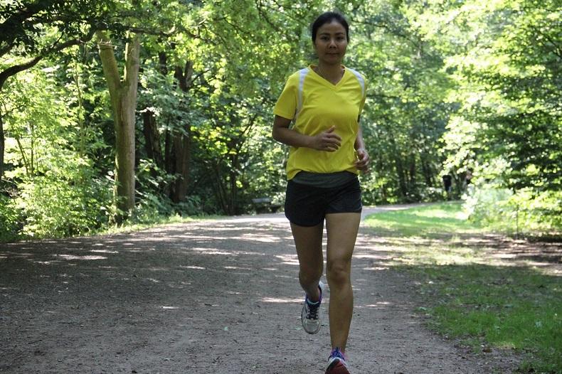 Fitte Mitarbeiter: Natthanan beim Lauf-Training. Foto: J. Meyer