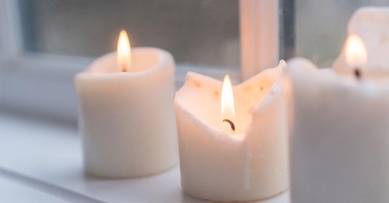 Licht in Gedenken an die Opfer von Covid-19.